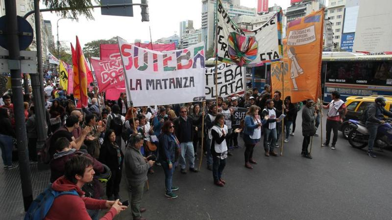 /imagenes/marcha_docente_chubut.jpg
